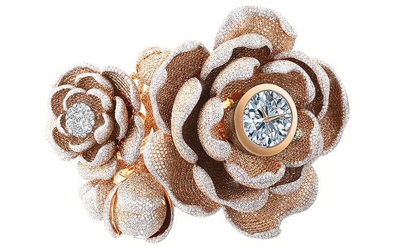 Read more about the article See video of this 15,858-diamond world record watch!