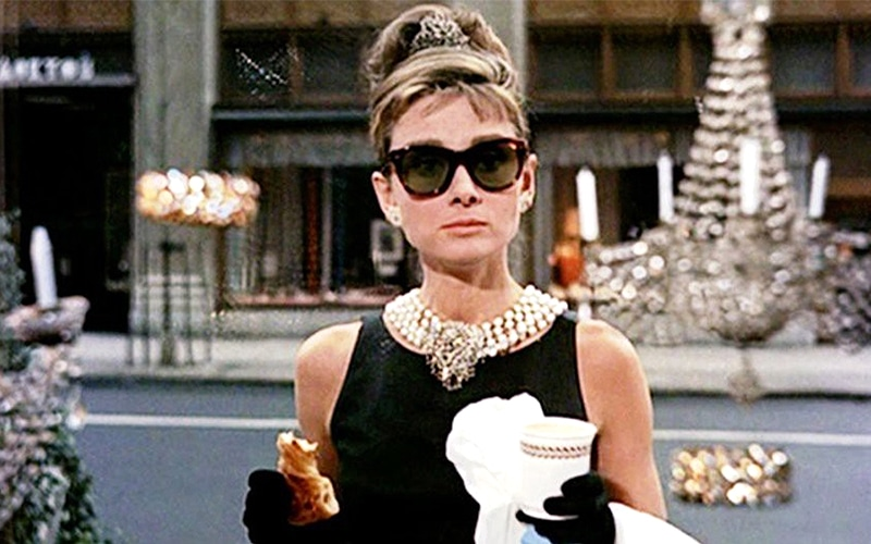 You are currently viewing Bling-binge? Here are 10 great jewelry movies!