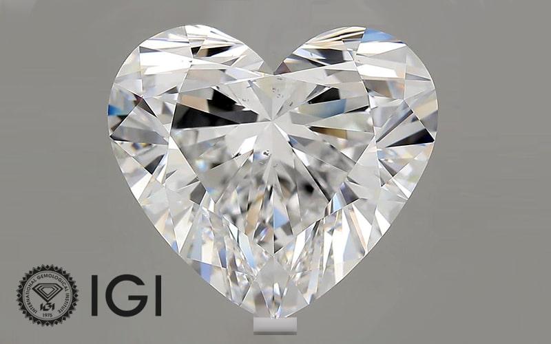 heart shaped lab grown diamond