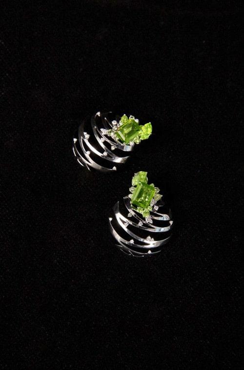 """""""Islet"""" jewelry design"""
