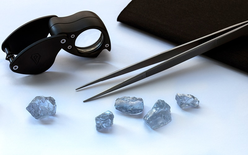 Read more about the article Petra finds 5 rare blue diamonds totaling 85+ carats!