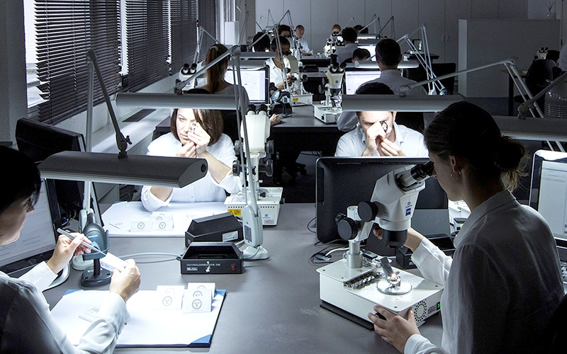 IGI Gemologists tell your diamond's story with certification and grading